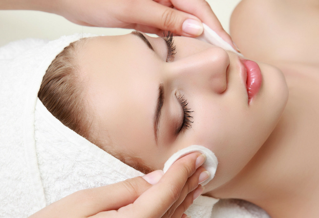 skincare and eye treatment course